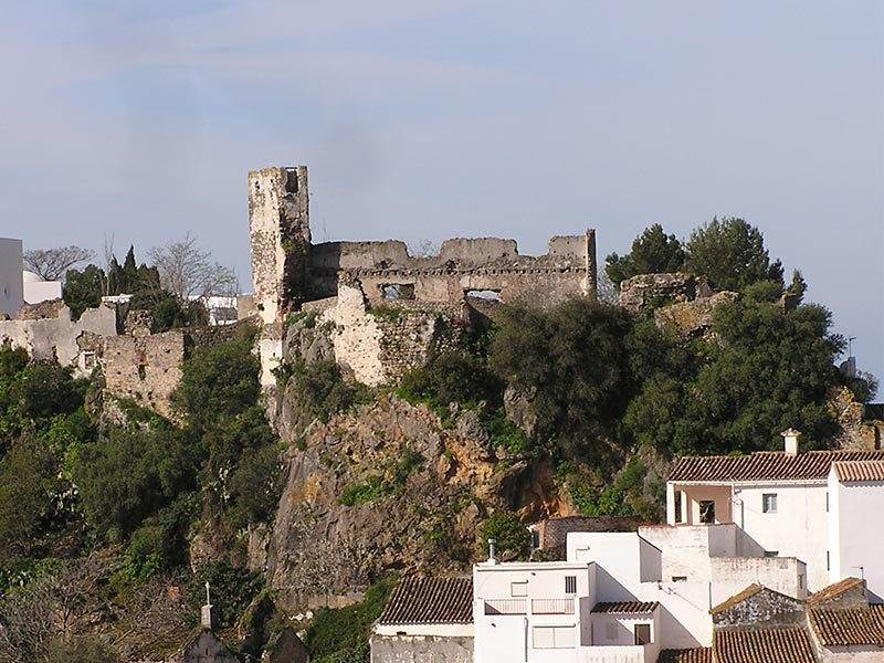 White Villages in Andalucia | Guide to Casares, a typical Andalucian white village