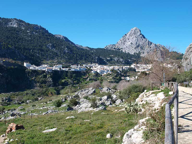 Sierra de Grazalema Parque Natural | Guide to the beautiful white village of Grazalema