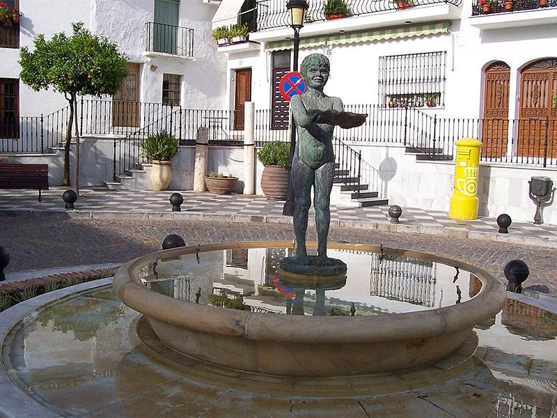 Costa del Sol | Guide to Benalmádena Pueblo and Costa