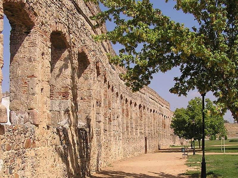 Fine Roman Architecture – Aqueduct at Merida