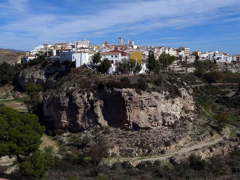 Guide to Sorbas, pot of sand