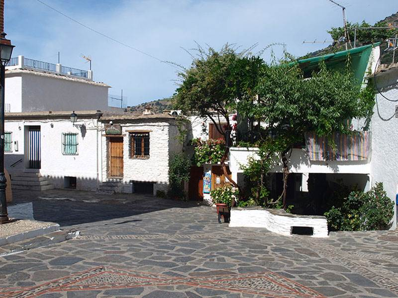 The square in Pampaneiro